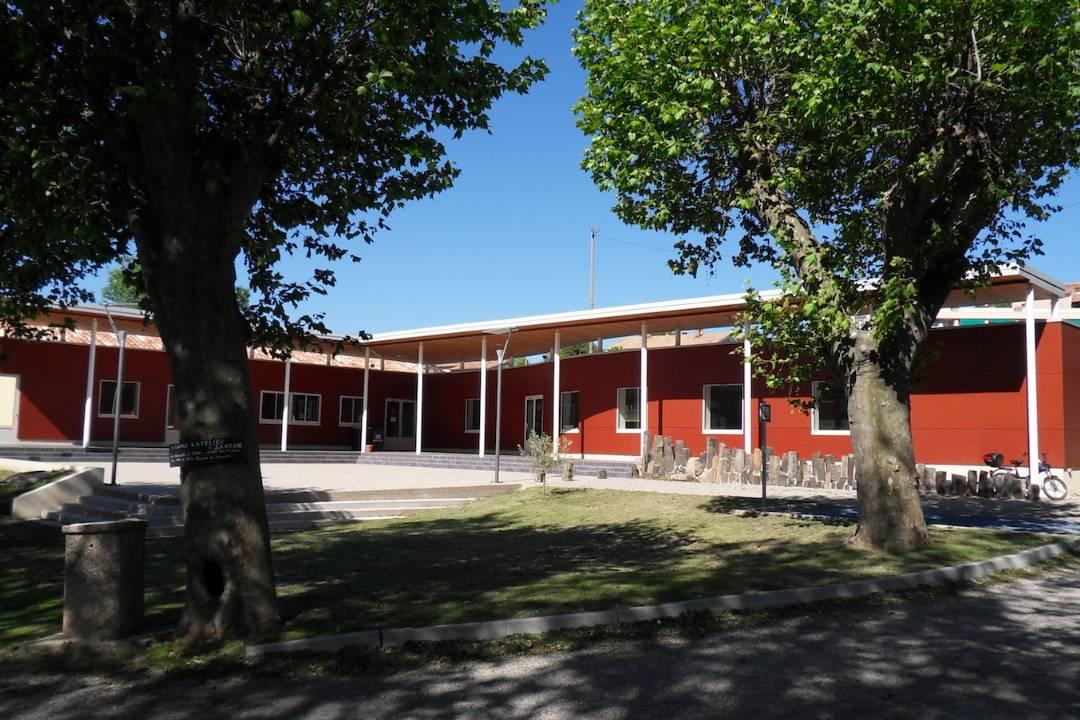 Restauration et extension avec ossature métallique du centre touristique Saint Jean le Centenier