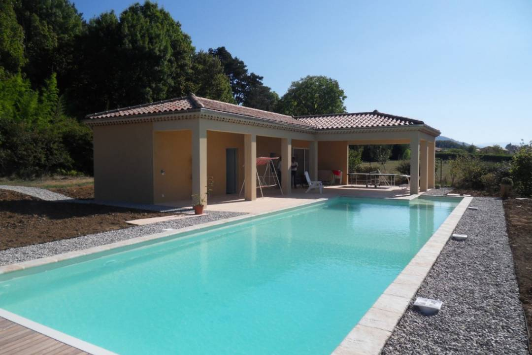 Construction d 39 une piscine et pool house for Construction pool house piscine