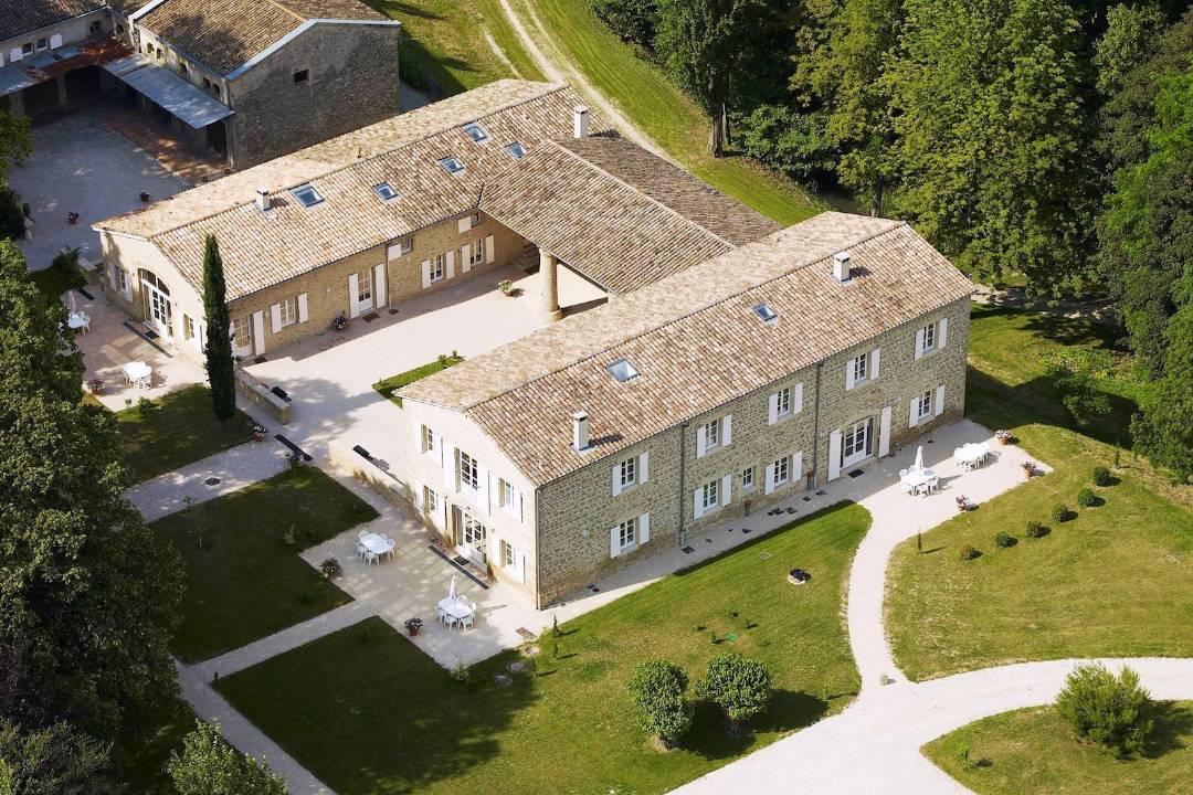 Rénovation de 1200 m² de gîte et d'un parc de 4800 m² dans la Drôme - AFD Architecte