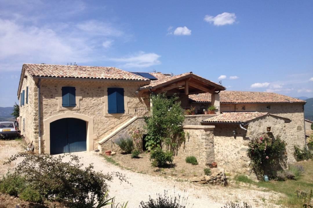 Restauration d'une ferme dans la Drôme - AFD Architecture